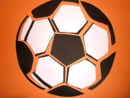 Bijlage met de afbeelding van de voetbal;